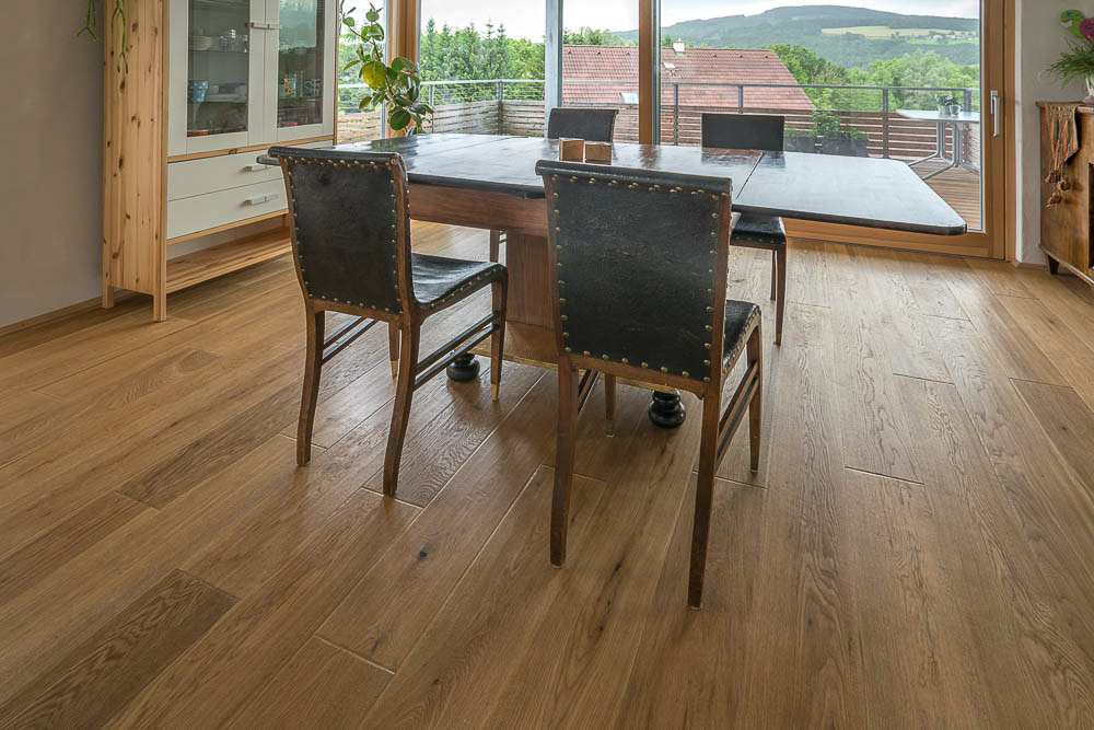 Landhausdiele Gehobelt Landhausdielen Wien - Längs zum lichteinfall